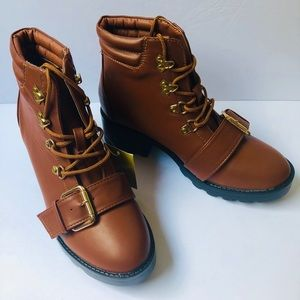 Vintage style women's boots size 7 1/2